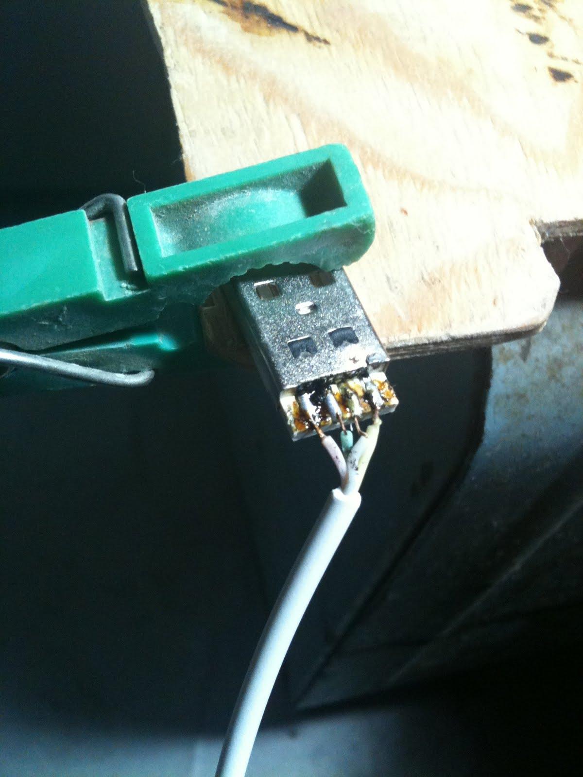 Blog cu cifre: Restaurarea cablului de date pentru iPhone/iPod