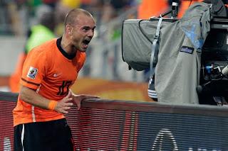 El Manchester United Quiere A El Holandes Sneijder En Su Equipo