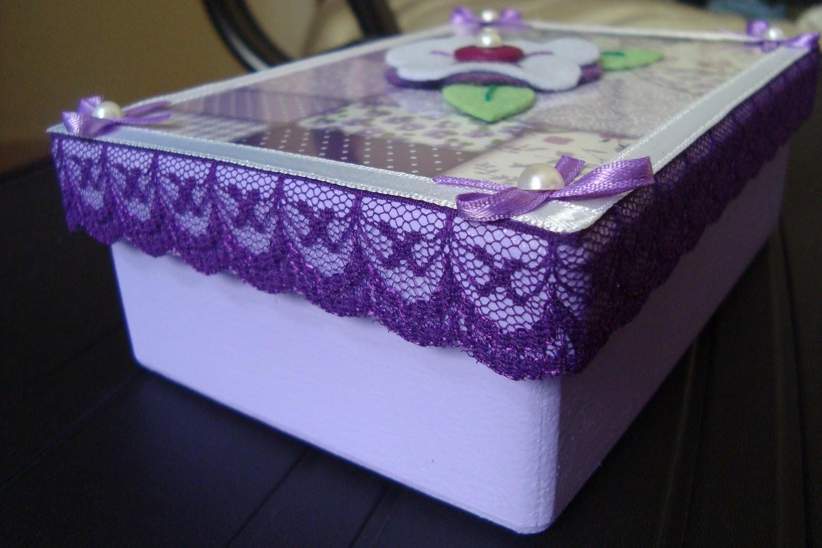 Caixa de MDF pintada de acrílica lilás e verniz fosco. Tamanho 10x15  #412874 1600x1067