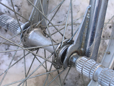 1991 redline 320 bmx bike - front hub, dropouts and axle pegs