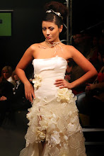 Vestidos de noiva e flores