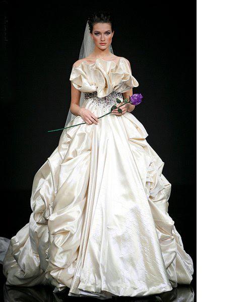 Noiva e o vestido romântico