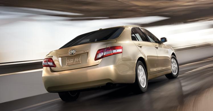 U S Monthly Sales In 2010 Toyota Camry Vs Honda Accord