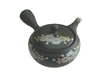 Enjoy your new traditional Japanese teas by drinking them using a traditional Kyusu. Kyusus can be used to serve Genmaicha, Hojicha, Sencha, Kukicha, and Gyokuro teas.