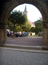 Blick auf die Ägidienkirche am östlichen Ende der Krämerbrücke