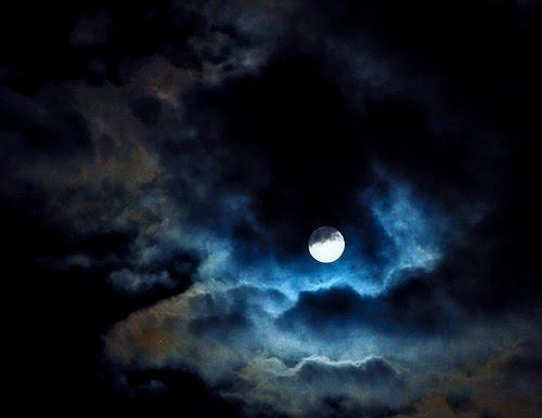 Resultado de imagen para nubarrones noche