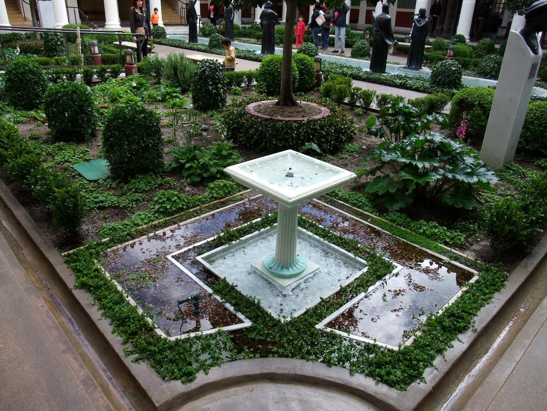 Getty villa garden for Villa garden