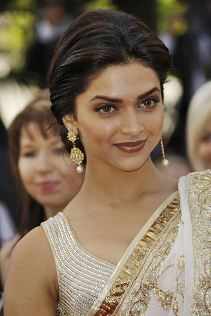 Deepika Padukone | Sparks at Cannes Red Carpet