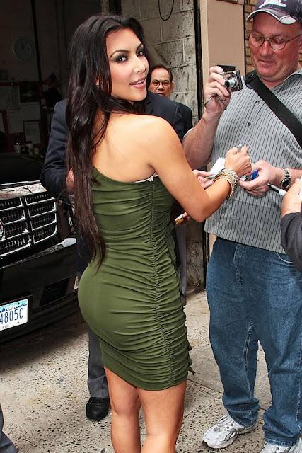 http://3.bp.blogspot.com/_oFpJgOxs99M/S7wqZjTSqWI/AAAAAAAAXhw/eBtat8vH-d4/s1600/kim_kardashian_08.jpg