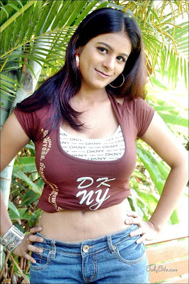 Download Hot South Indian Masala Actress Pictures
