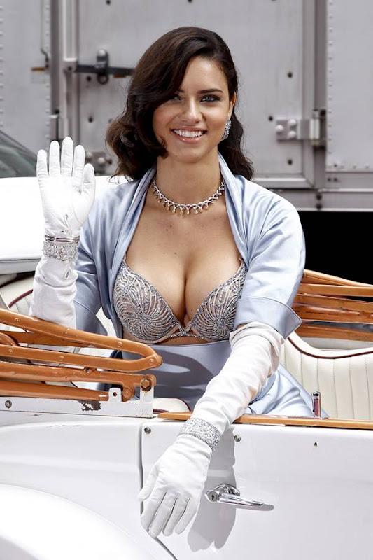 Adriana Lima in a $2 Million Fantasy Bra Pictures