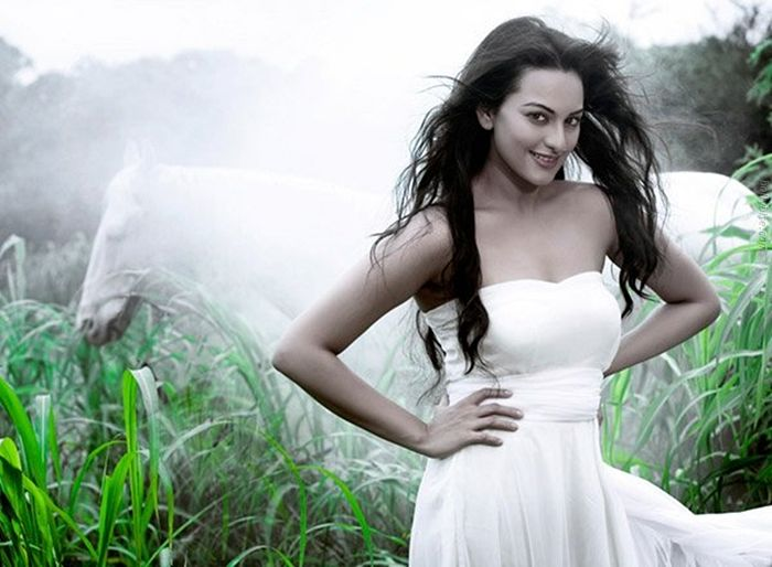 Pleasing Beauty  Sonakshi Sinha Gallery unseen pics