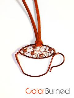 pandantiv handmade din sarma de cupru si cristale de sticla