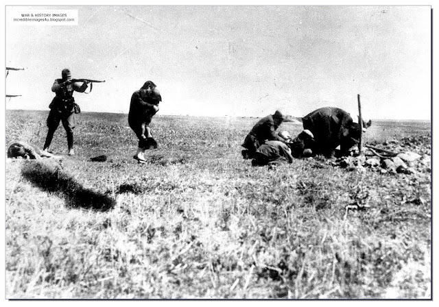 Shooting Jewish mother baby Russia Einsatzgruppen Nazi Killing Squads