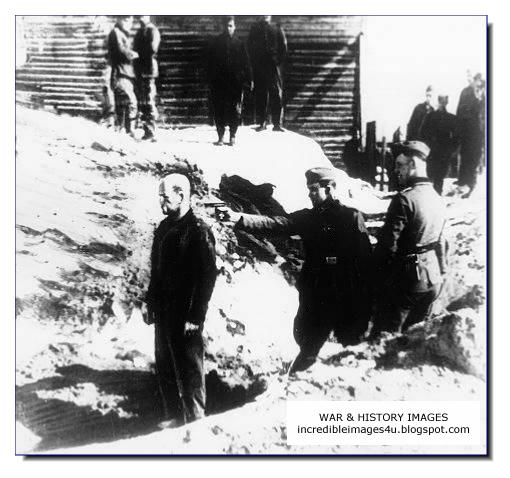 execution Russian Jews Latvia Einsatzgruppen