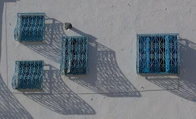 Ventanas tunecinas - Alfonso Calderón