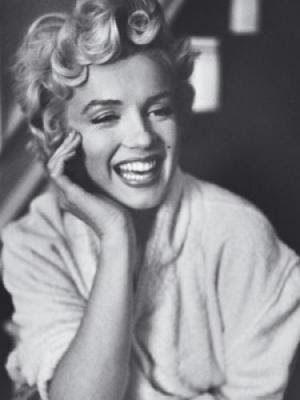 Marilyn Monroe. Posted by Laura Valerie at 8:57 PM. Labels: beauty, quotes
