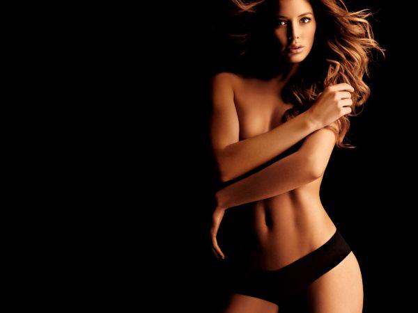 best nude wallpaper. Ahi van algunas fotos de la bruja!