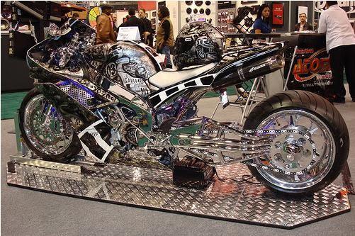 http://3.bp.blogspot.com/_oMx46s6RyNA/SwWVNzHY7pI/AAAAAAAAAFk/02XGGFw-BZw/s1600/Custom+Yamaha+R1.JPG