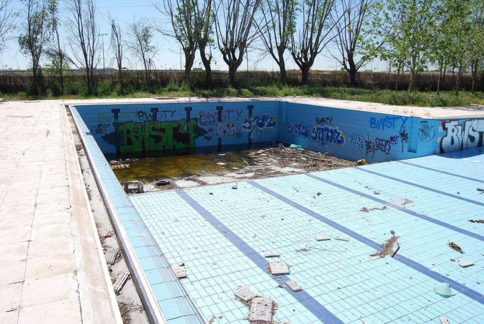 sobre las piscinas municipales my comunidad barrio de