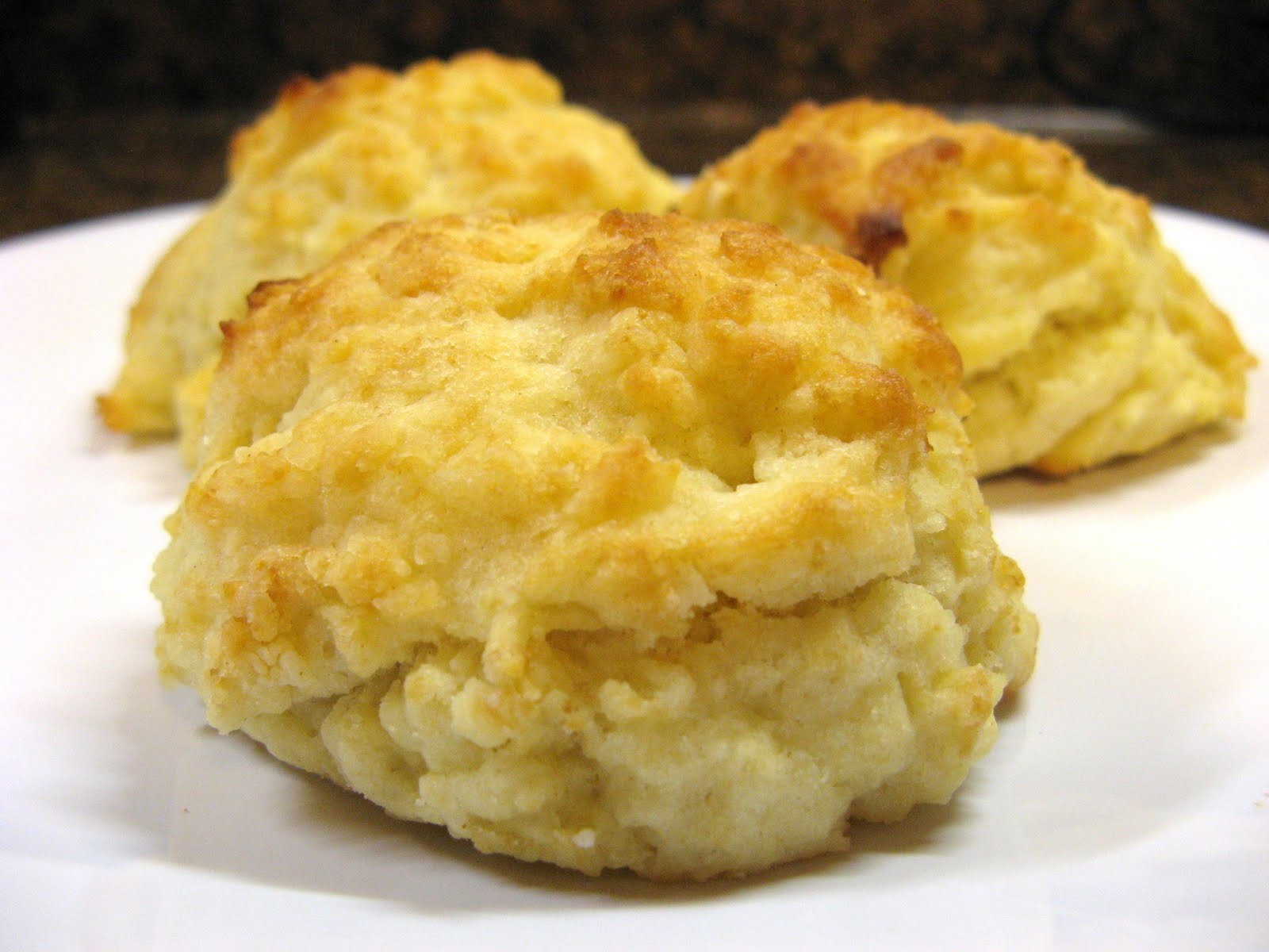 The Well-Fed Newlyweds: Buttermilk Drop Biscuits