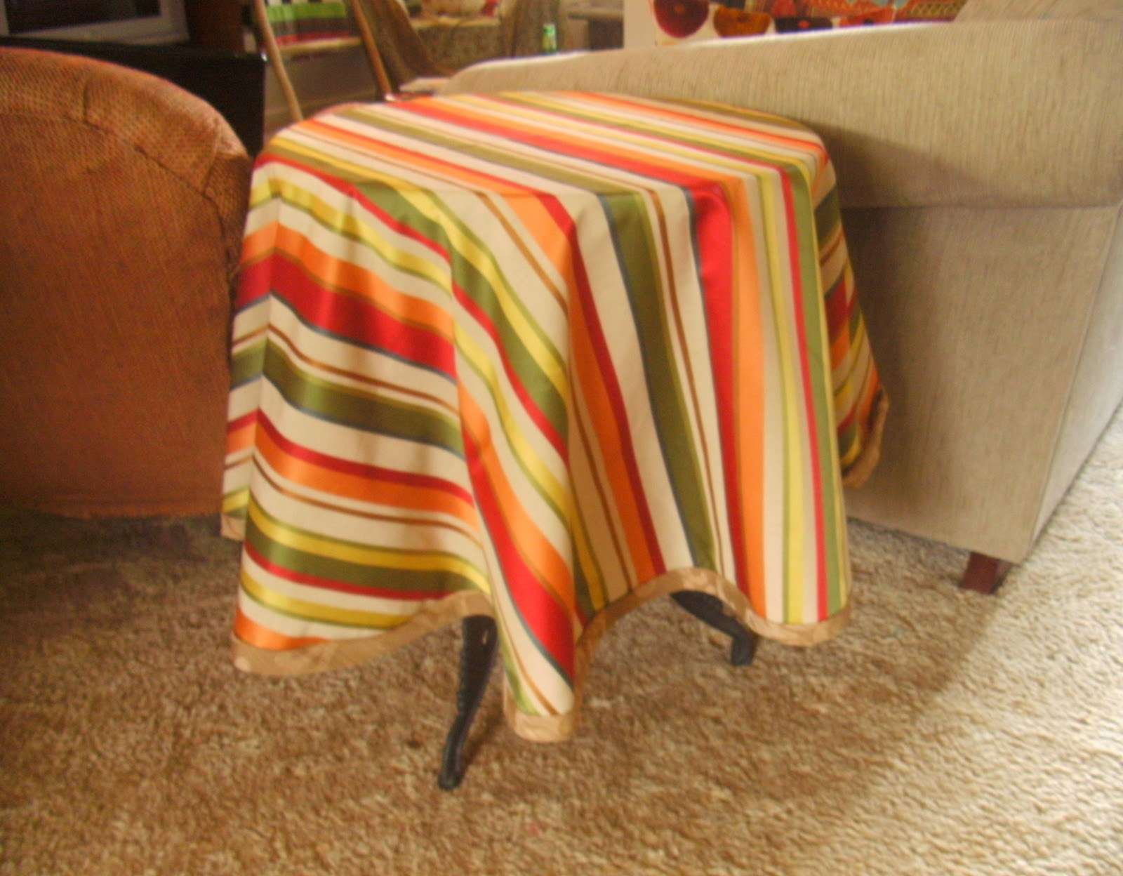 DIY Round Tablecloth!
