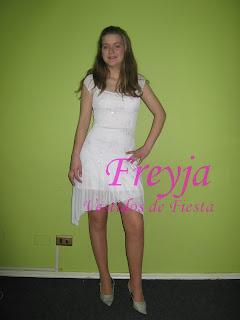 Mas fotos, en el Grupo de Facebook Freyja Vestidos de Fiesta , Arriendo y Venta en Temuco.