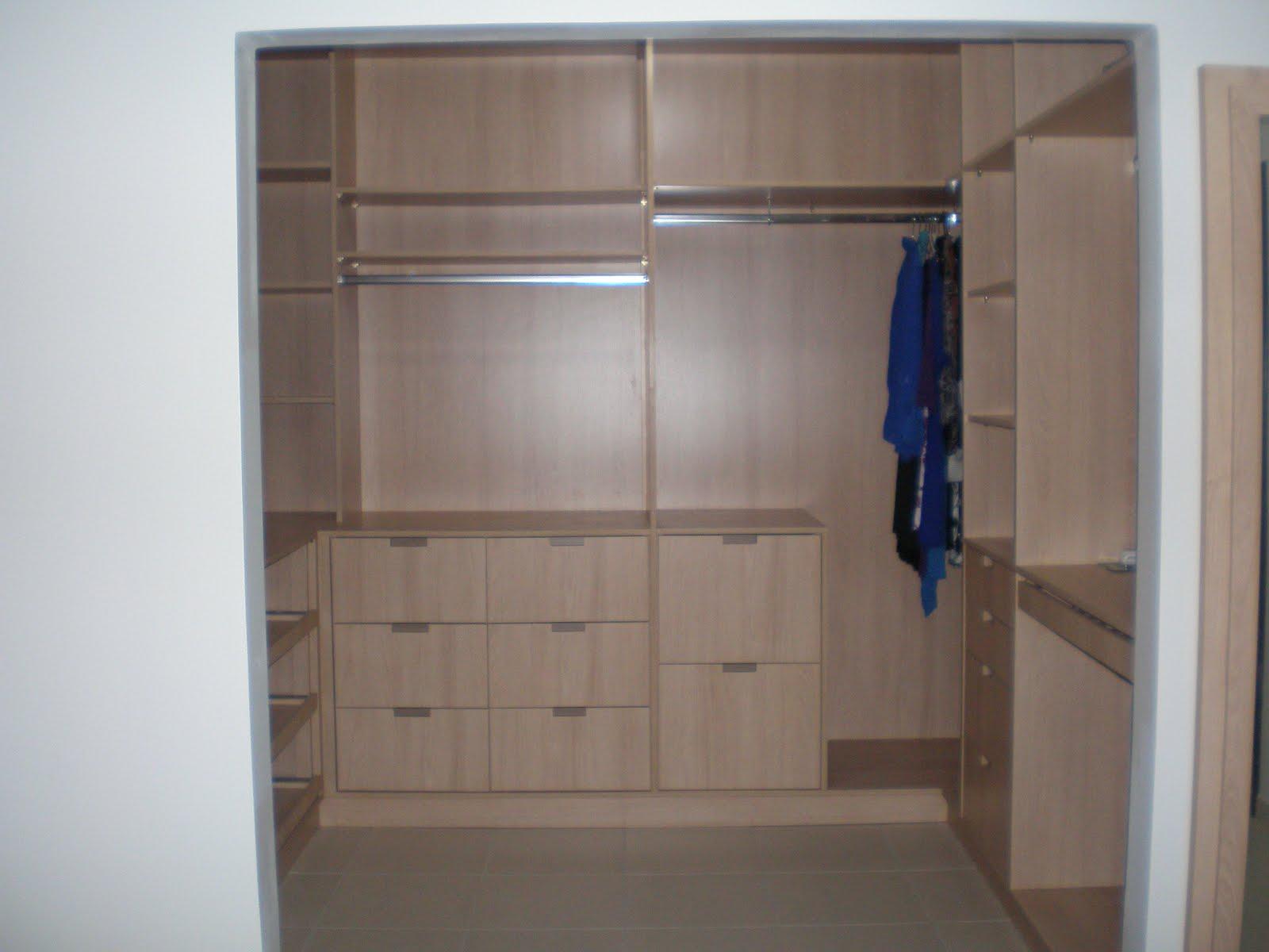 Essas são as fotos do closet pronto mais a baixo tem as imagens das  #2B3659 1600x1200 Banheiro Completo Autocad