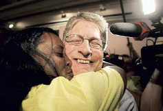 Asst. DA Shamieka Rhinehart gives Nifong a big kiss after Nifong wins the Democratic primary.