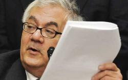 Rep. Barney Frank seeks further limits on executive paychecks