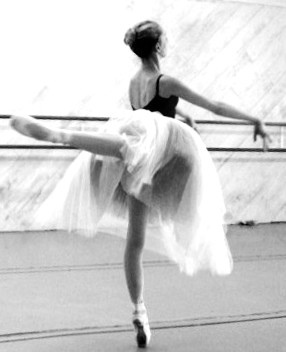 Clavicle envy ballet thinspo for Immagini di ballerine di danza moderna