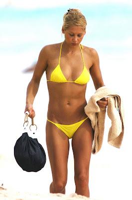 Anna Kournikova Yellow Bikini Pussy Flash Beach Candids
