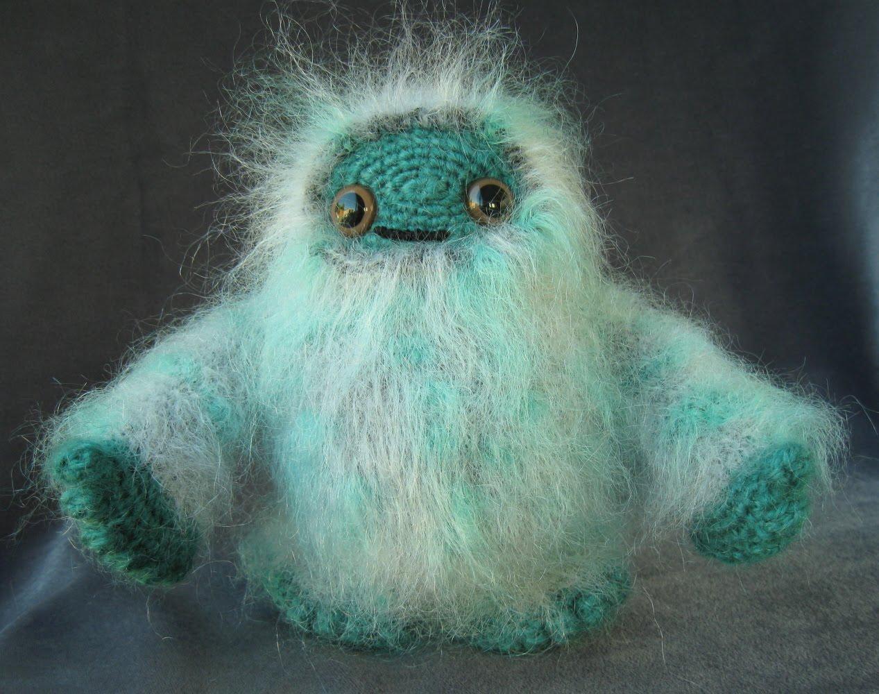 Amigurumi Monster Pattern Free Crochet : Lucyravenscar crochet creatures adorable monsters