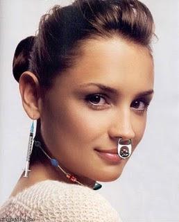 http://3.bp.blogspot.com/_oY4Tn9cNP-k/TJDAjcab2_I/AAAAAAAAACM/rYZW7F0E9tQ/s400/Nose-Piercings-Girl.jpg