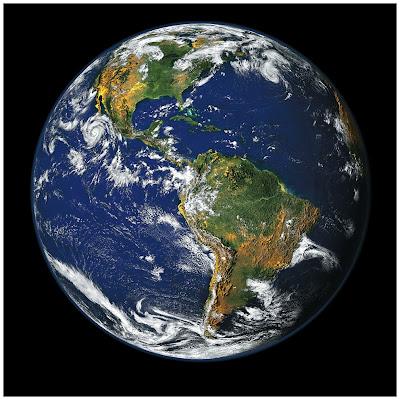 ¿Por qué la Tierra tiene forma casi esferica?