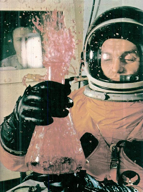 """HOW THE DEMONSTRATION OF BLOOD ASTRONAUT """"Explode"""" IF IT WAS NOT THE SUIT PROTECTION"""