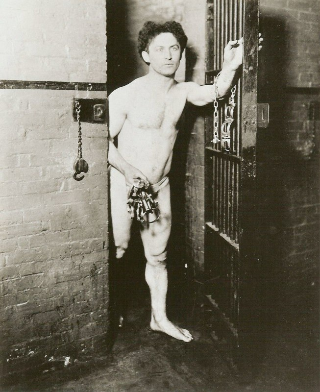 WILD ABOUT HARRY: Did Houdini do a jail escape in 1923?