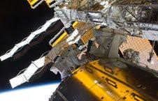 Astronauts remove EuTEF