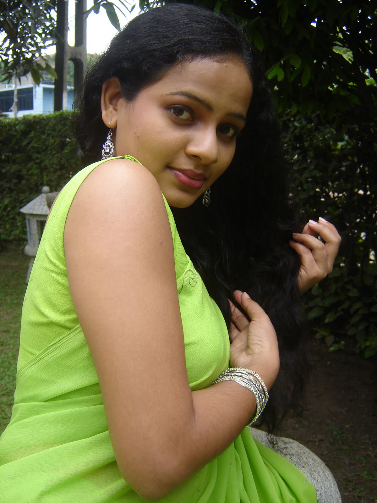 Sinhala girl photo