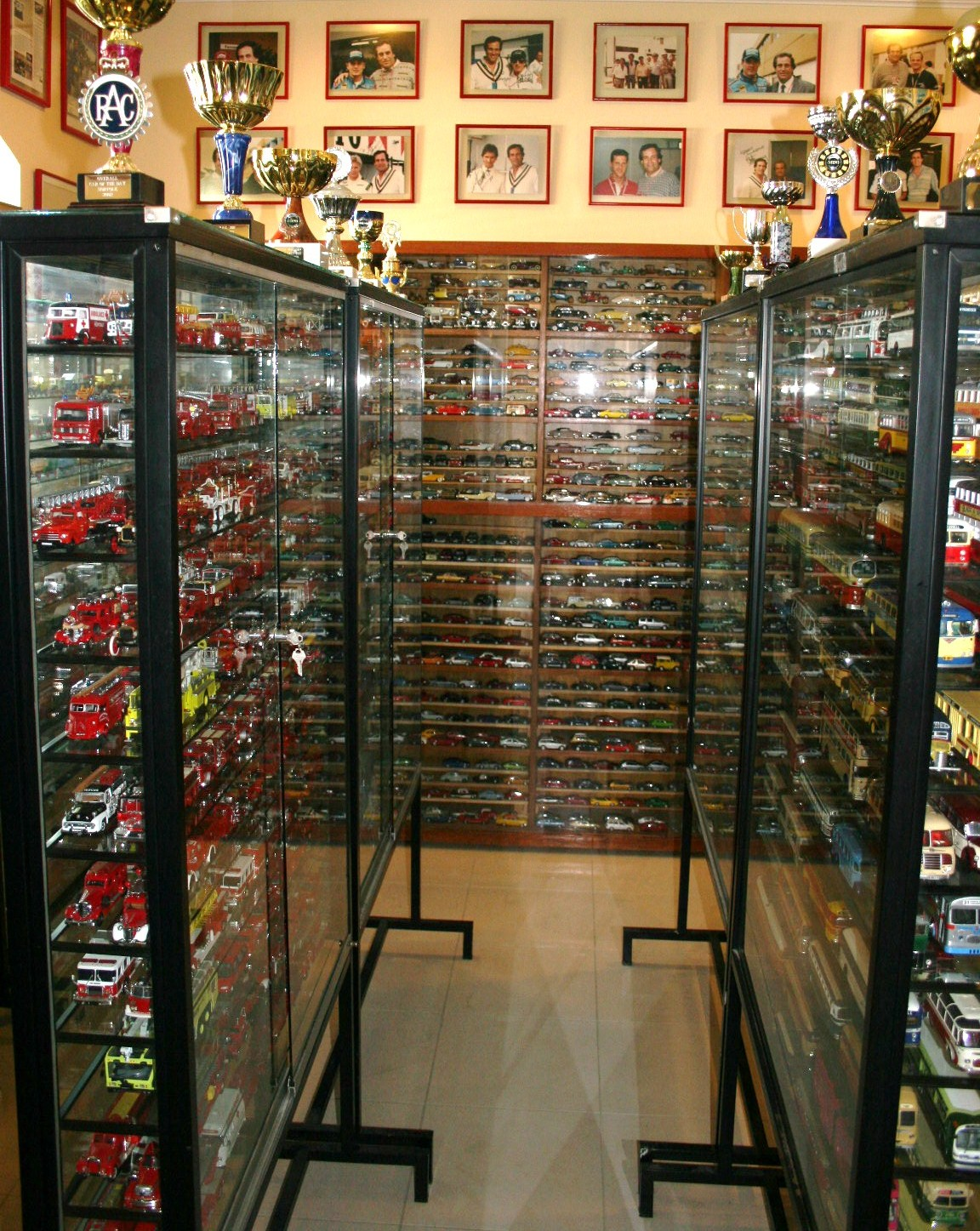 #AA7821 SERGIO GOLDVARG: MY SCALE MODEL CAR COLLECTION with 1152x1447 px of Best Glass Display Cabinets For Models 14471152 image @ avoidforclosure.info