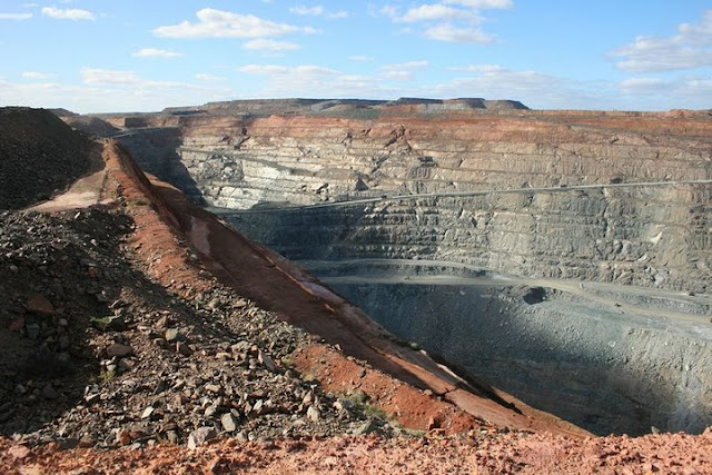The Super Pit, Kalgoorlie, Western Australia - © CKoenig