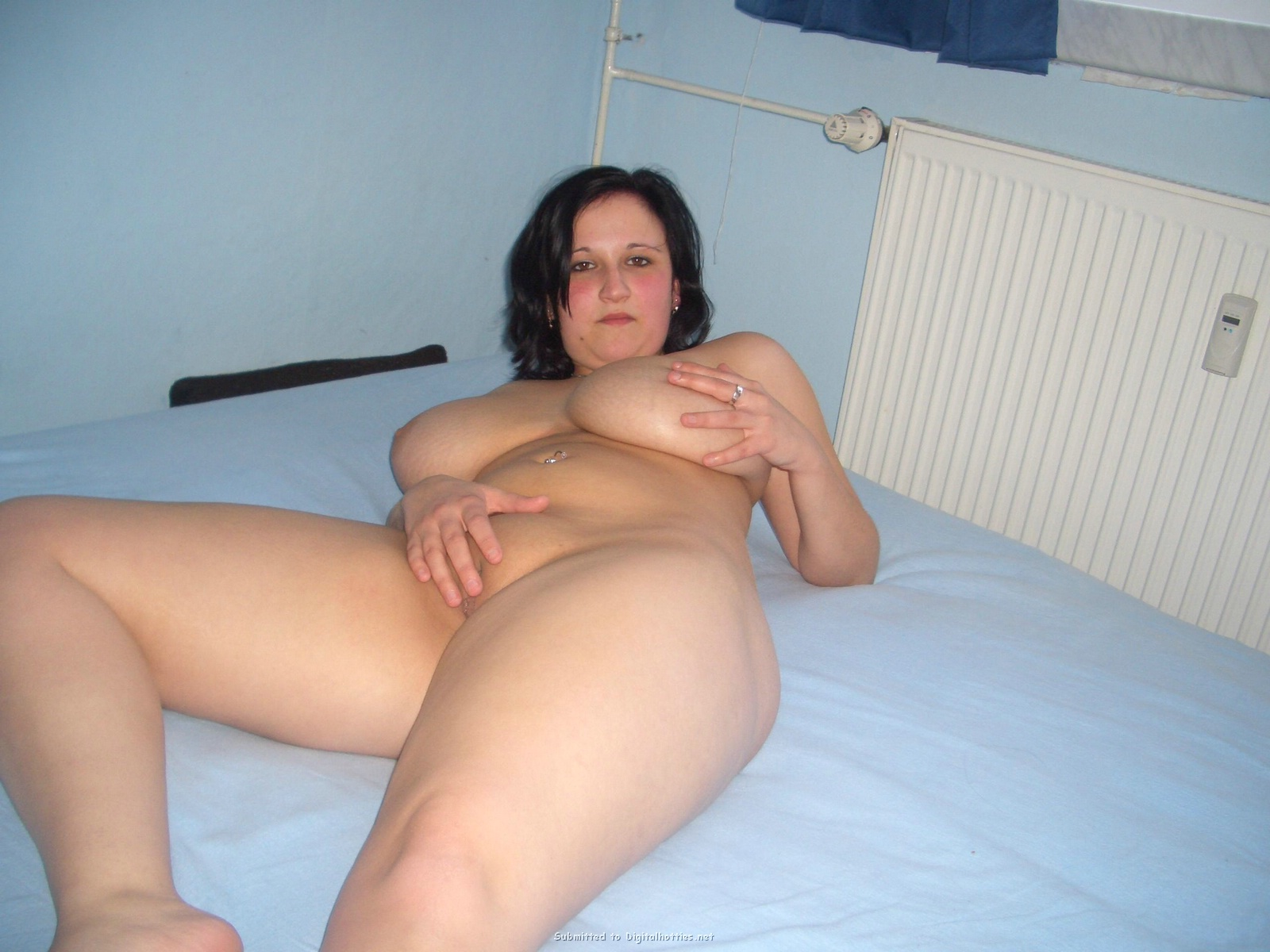 hot naked scottish pussy and tits