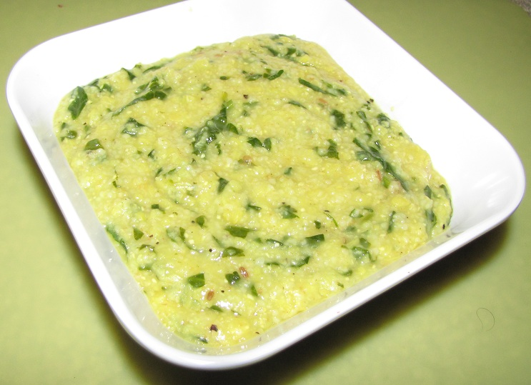 Broken Wheat Moong Dal Spinach Khichdi