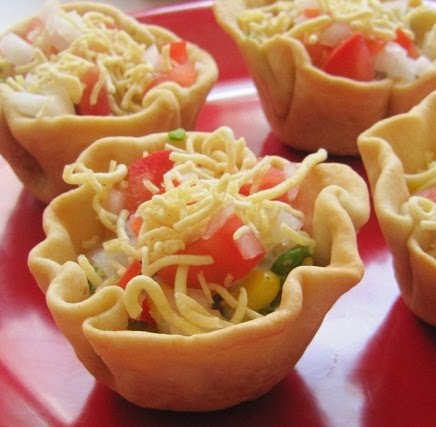 Thursday September 16 2010 & Super Yummy Recipes: Tempting Corn Chaat In Crispy Cups