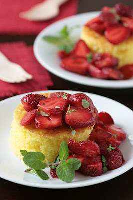 Lemon Pound Cake and Lemon Thyme Strawberries-Copyright&#169;Tartelette 2008