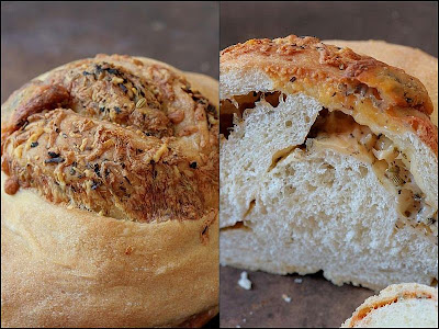 Cheese Bread-Copyright©Tartelette 2008