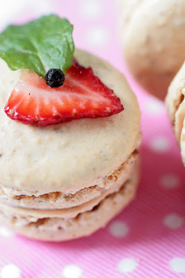 Cracked Pepper and Strawberry Macarons-Copyright©Tartelette 2008