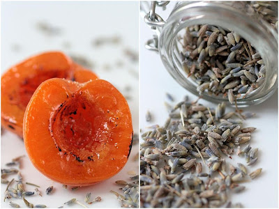 Apricots and Lavender-Copyright©Tartelette 2008