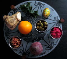 Seder plate, with orange (a new Feminist tradition)