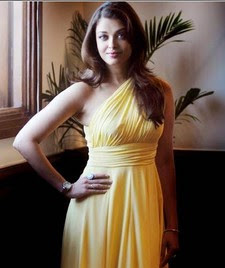Aishwarya Rai Latest Romance Hairstyles, Long Hairstyle 2013, Hairstyle 2013, New Long Hairstyle 2013, Celebrity Long Romance Hairstyles 2465
